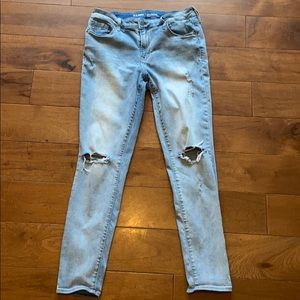 OLD NAVY ROCKSTAR MID RISE DISTRESSED JEANS 10